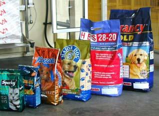 Упаковка гранулированных продуктов четырехсторонние пакеты до 4 кг с застежкой